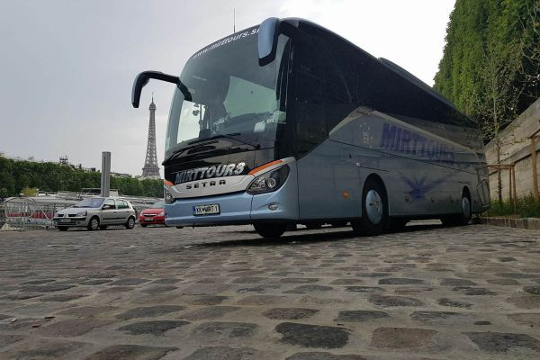 pariz-francija-2875C0A85-BFA0-9F10-7A41-E16589E8976A.jpg