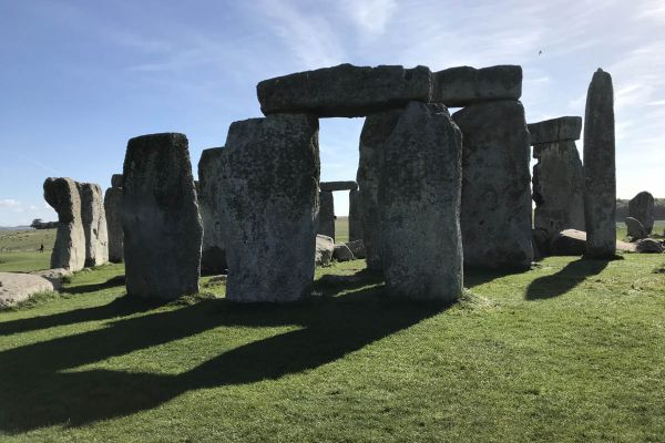 stonehenge-anglija2E4246D7B-9425-54C9-F192-835CD0954070.jpg